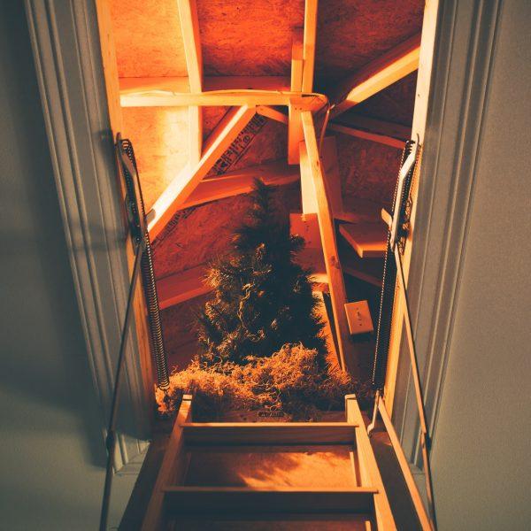 Zoldertrap kopen? 3 tips voor een veilige trap naar zolder!